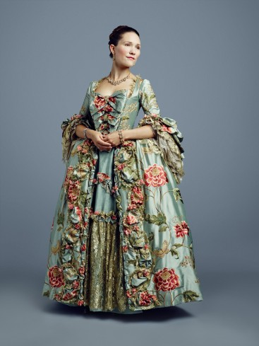 outlander-louise-de-rohan-season-2-official-picture-outlander-2014-tv-series-39420032-1948-2598